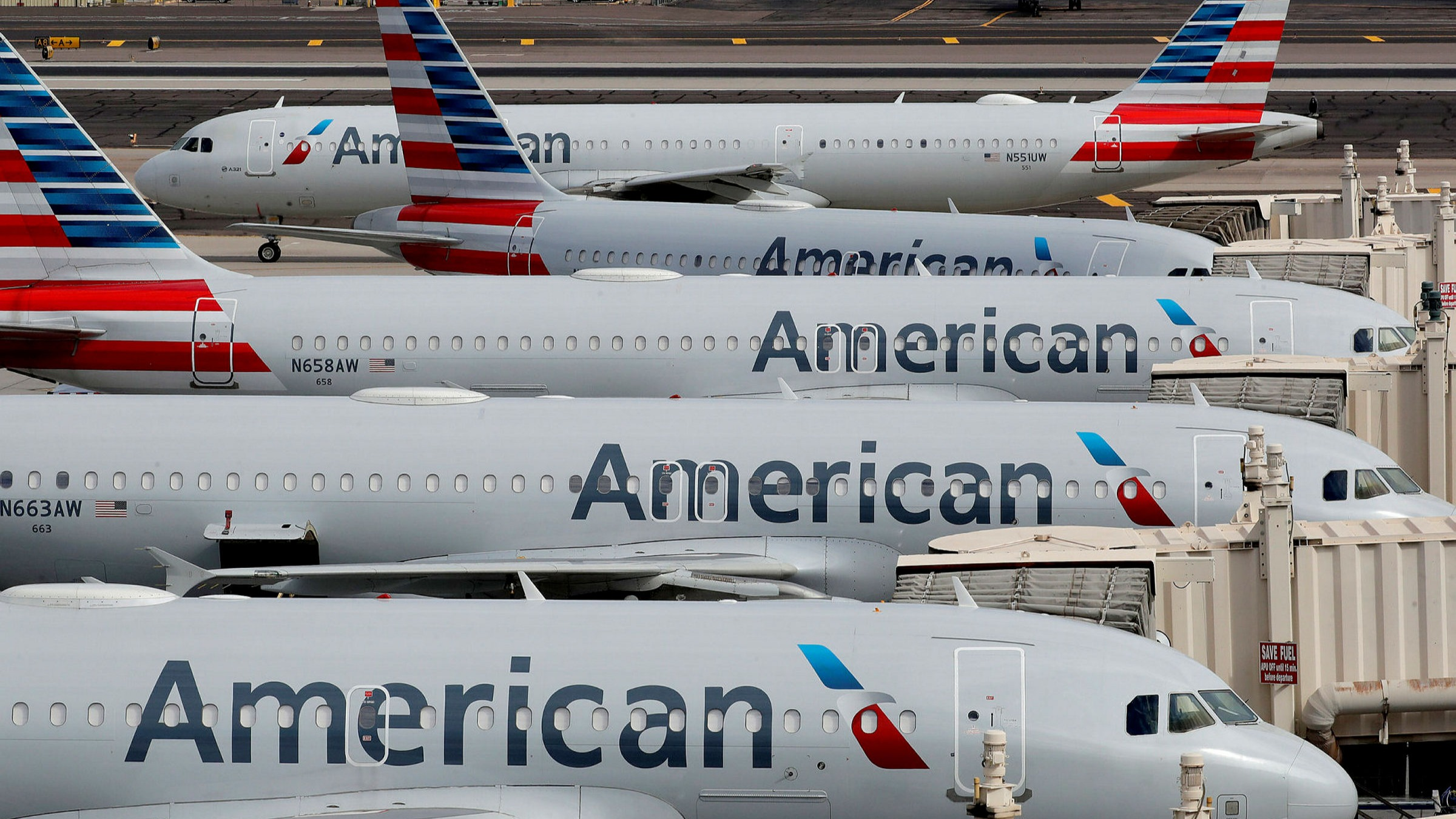 Will American Airlines (AAL) Stock Rise After Purchasing 1,000 Planes?